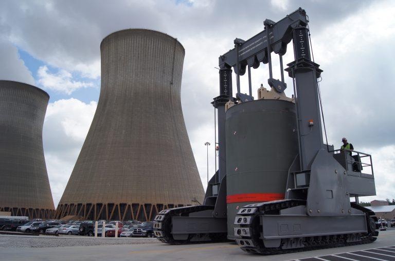 J&R Engineering LIFT-N-LOCK® Vertical Cask Transporter