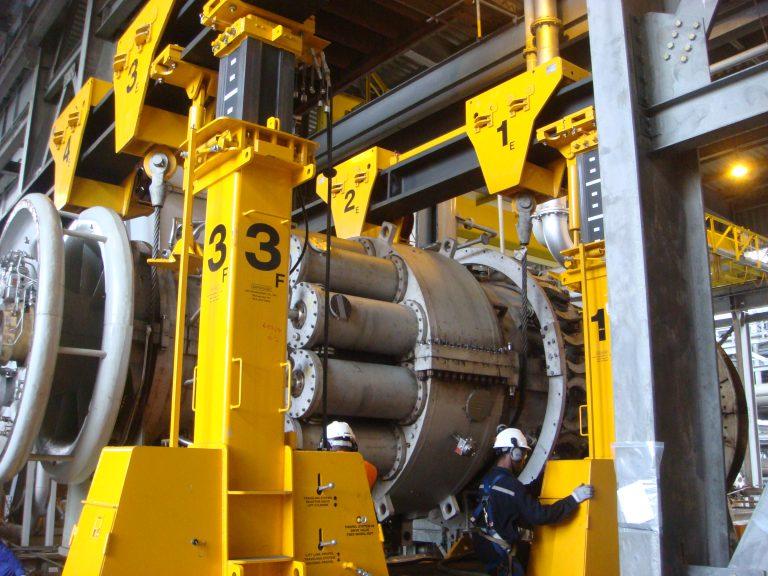 J&R Engineering LIFT-N-LOCK® Hydraulic BOOM Gantry - 400 Series